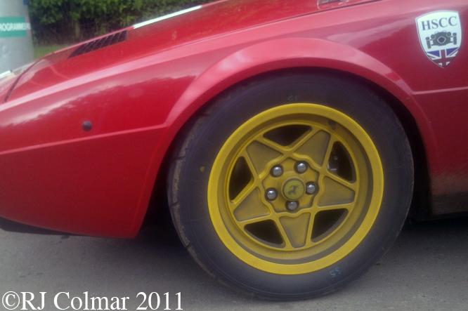 Dino 308 GT 4, Tour Britannia, Castle Combe