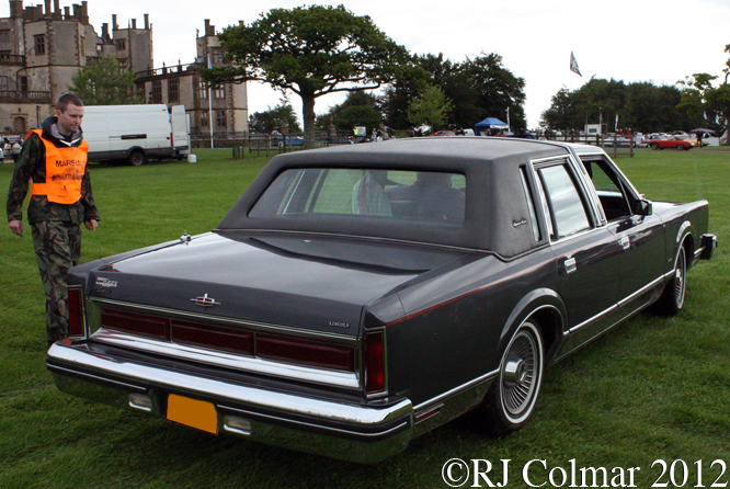 Lincoln Town Car, Classics at the Castle, Sherborne
