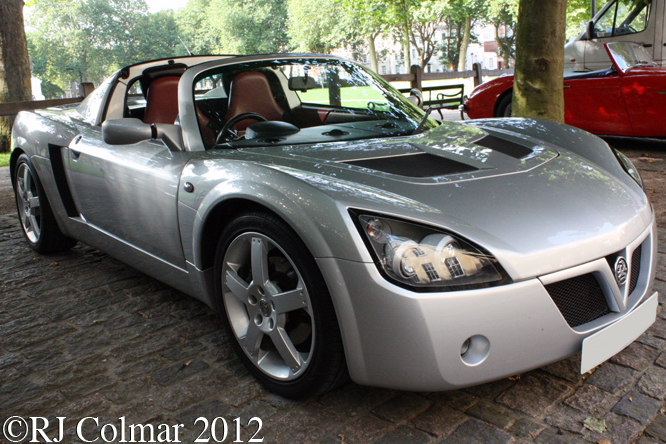 Vauxhall VX220, Avenue Drivers Club, Queen Square, Bristol