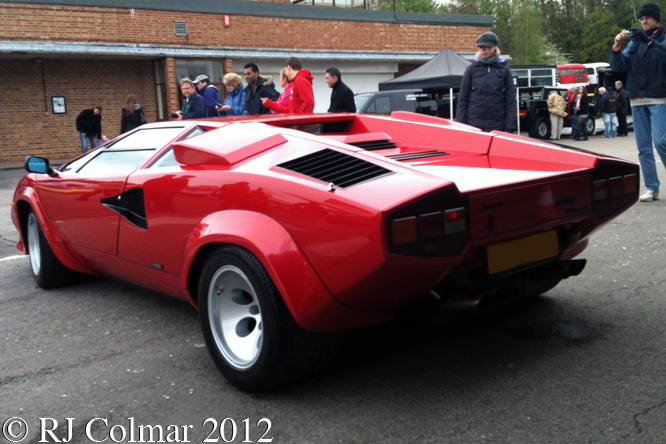 countach gettin 39 a li 39 l psycho on tyres. Black Bedroom Furniture Sets. Home Design Ideas