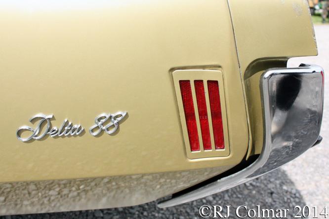 Oldsmobile Delta 88, Summer Classics, Easter Compton