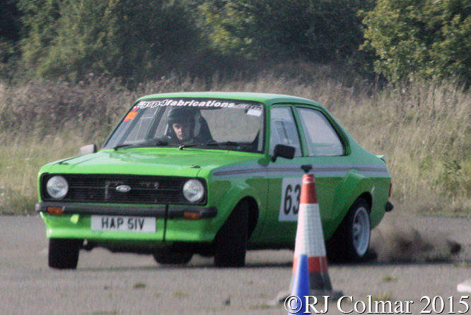 Ford Escort 1300 GL Auto, Charlie French, Hertfordshire County Auto & Aero Club, Autumn Sprint, Debden Airfield, Essex