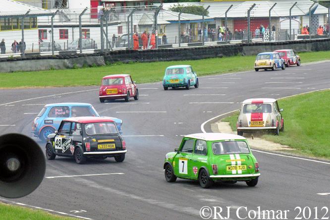 Super Mighty Mini's, Jubilee Race Day, Castle Combe