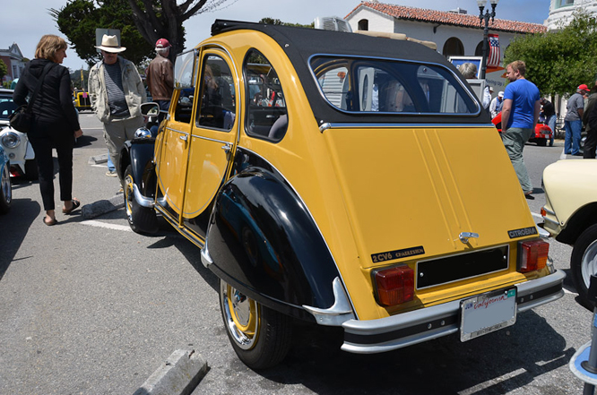 Citroen 2CV, Charleston, Carmel by the Sea Concours d'Elegance
