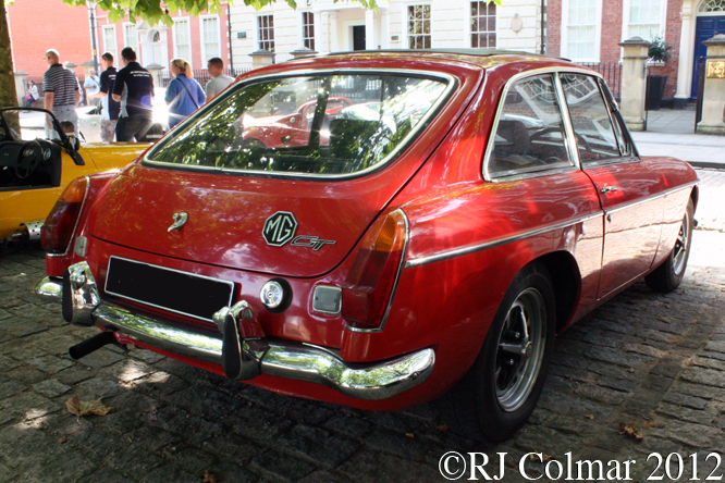 MGB GT, Avenue Drivers Club, Queen Square, Bristol