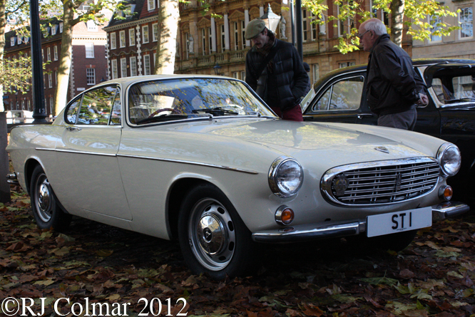 Volvo P1800, Avenue Drivers Club, Queen Sq, Bristol