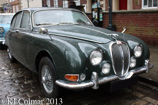 Jaguar S-Type, Avenue Drivers Club, Queen Square, Bristol