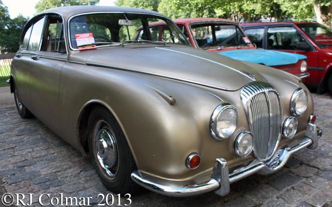 Daimler, V8 250, Avenue Drivers Club, Queen Square, Bristol