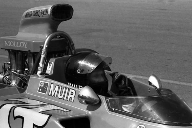 Bob Muir, Lola T330, Michigan International Speedway