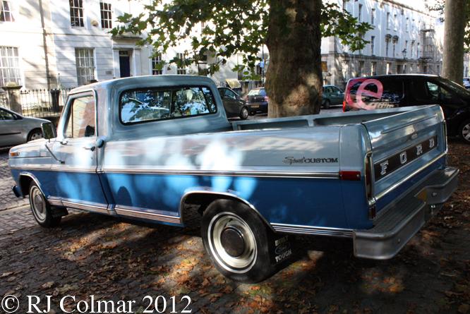 Ford Sport Custom, Avenue Drivers Club, Queen Square Bristol