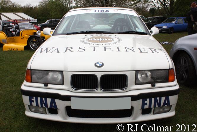 BMW 328i, Castle Combe