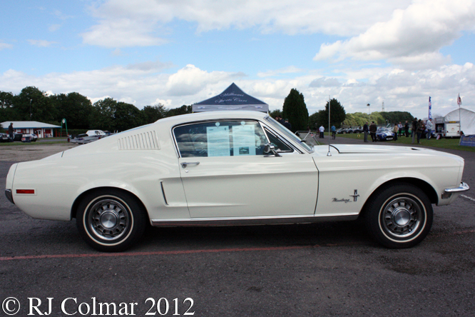 Ford Mustang Fastback 302, Castle Combe