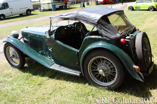 MG TC, Classic & Retro Action Day, Castle Combe