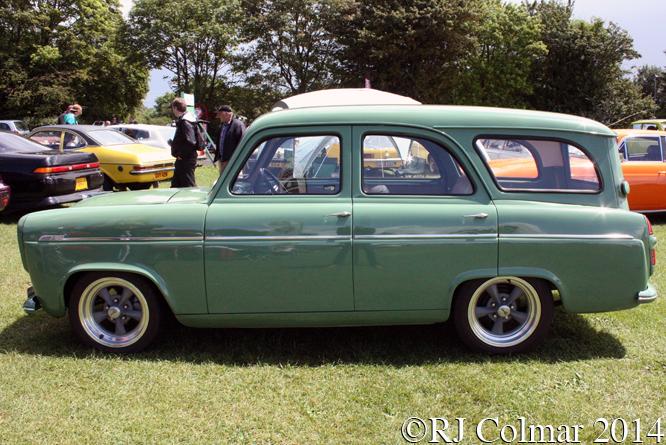 Ford Squire Cosworth, Classic & Retro Action Day, Castle Combe
