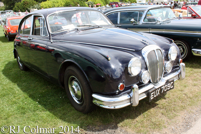 Daimler V8, Classics at the Castle, Sherborne