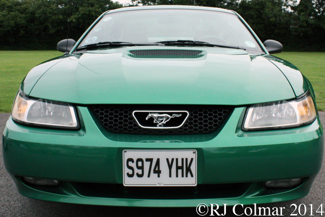 02 Ford Mustang GT_2614sc