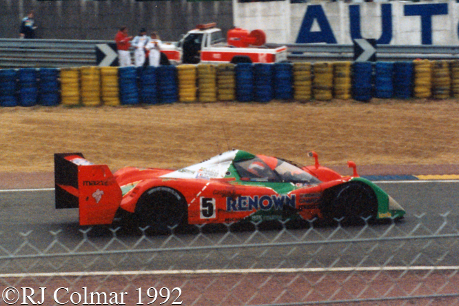 Mazda MX-R01, Volker Weidler (D)/Johnny Herbert (GB)/Bertrand Gachot (B)/Maurizio Sandro Sala, Le Mans