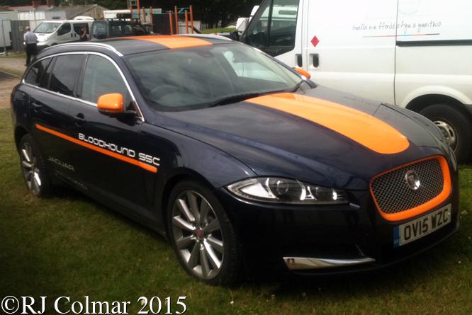 Jaguar XF Portfolio Sportbrake D, Pendine Sands